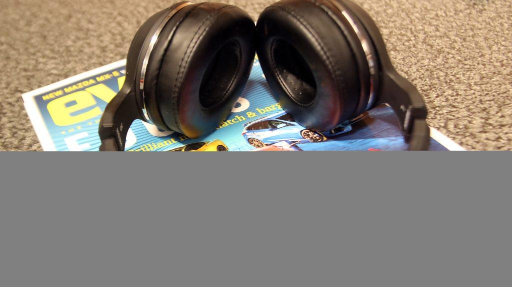 Skullcandy Hesh 2 Wireless buttons