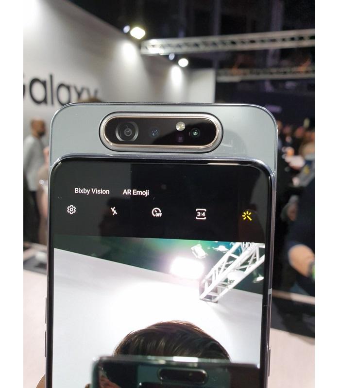 Táto aktualizácia vylepšuje fotoaparát Samsung Galaxy A80 1