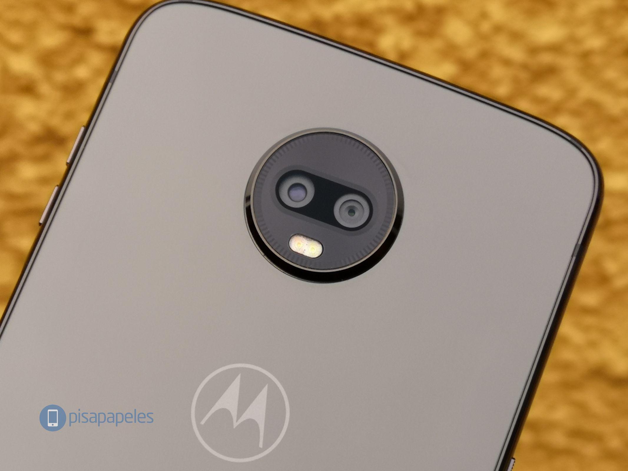 """Motorola Moto Z3 Play'i nəzərdən keçirin 2""""width ="""" 2133 """"height ="""" 1600"""