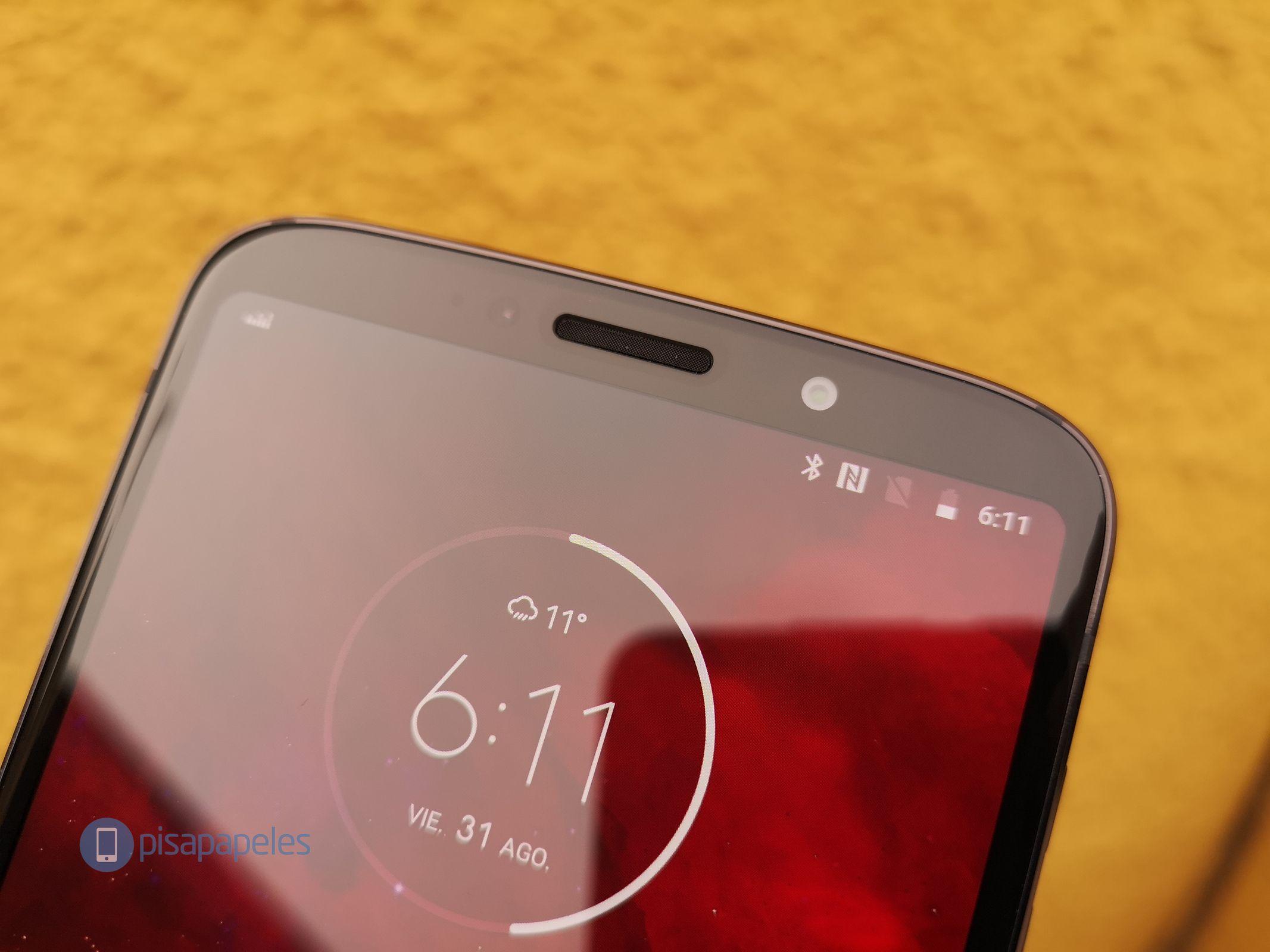 """Motorola Moto Z3 Play'i nəzərdən keçirin 3""""width ="""" 2133 """"height ="""" 1600"""