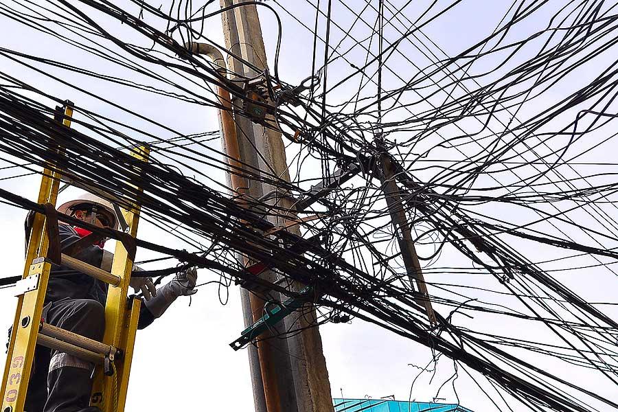 Hukum disahkan yang akan mendenda hingga $ 50 juta untuk perusahaan yang tidak menghapus kabel usang