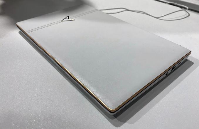 Layar Ganda 13,3-Inch dengan GPU 5