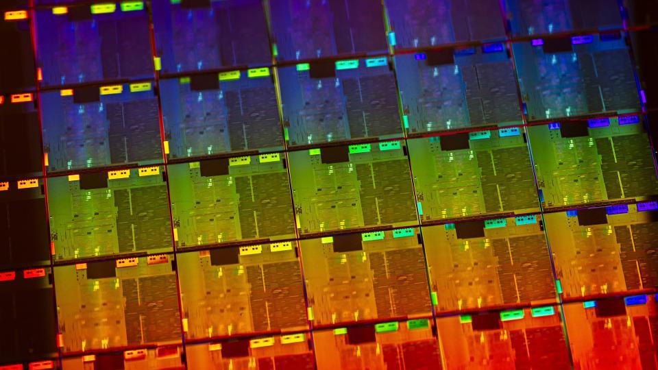 Intel указывает первый чип ноутбука 10-го поколения, который прибыл в этом году 2