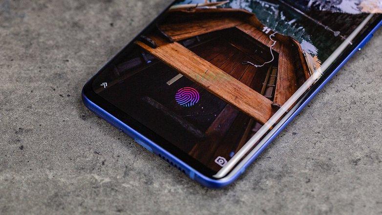 Androidpit ZTE Axon 10 Pro barmaq izi