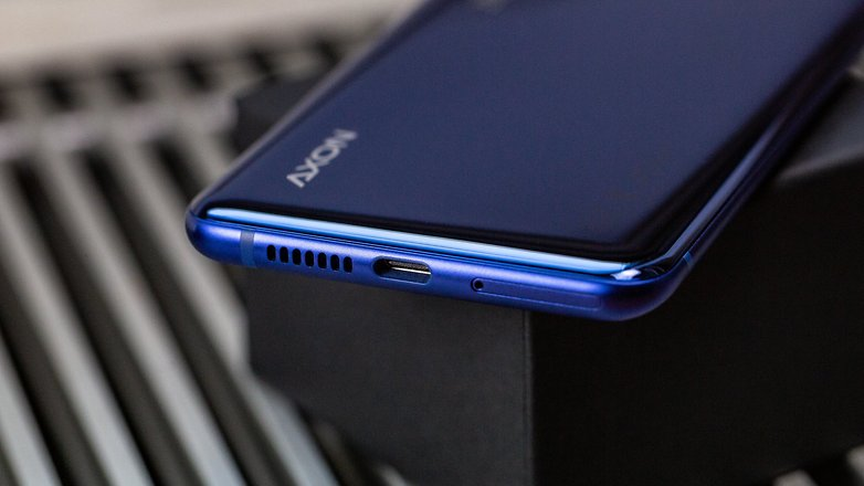 Androidpit ZTE Axon 10 Pro portu