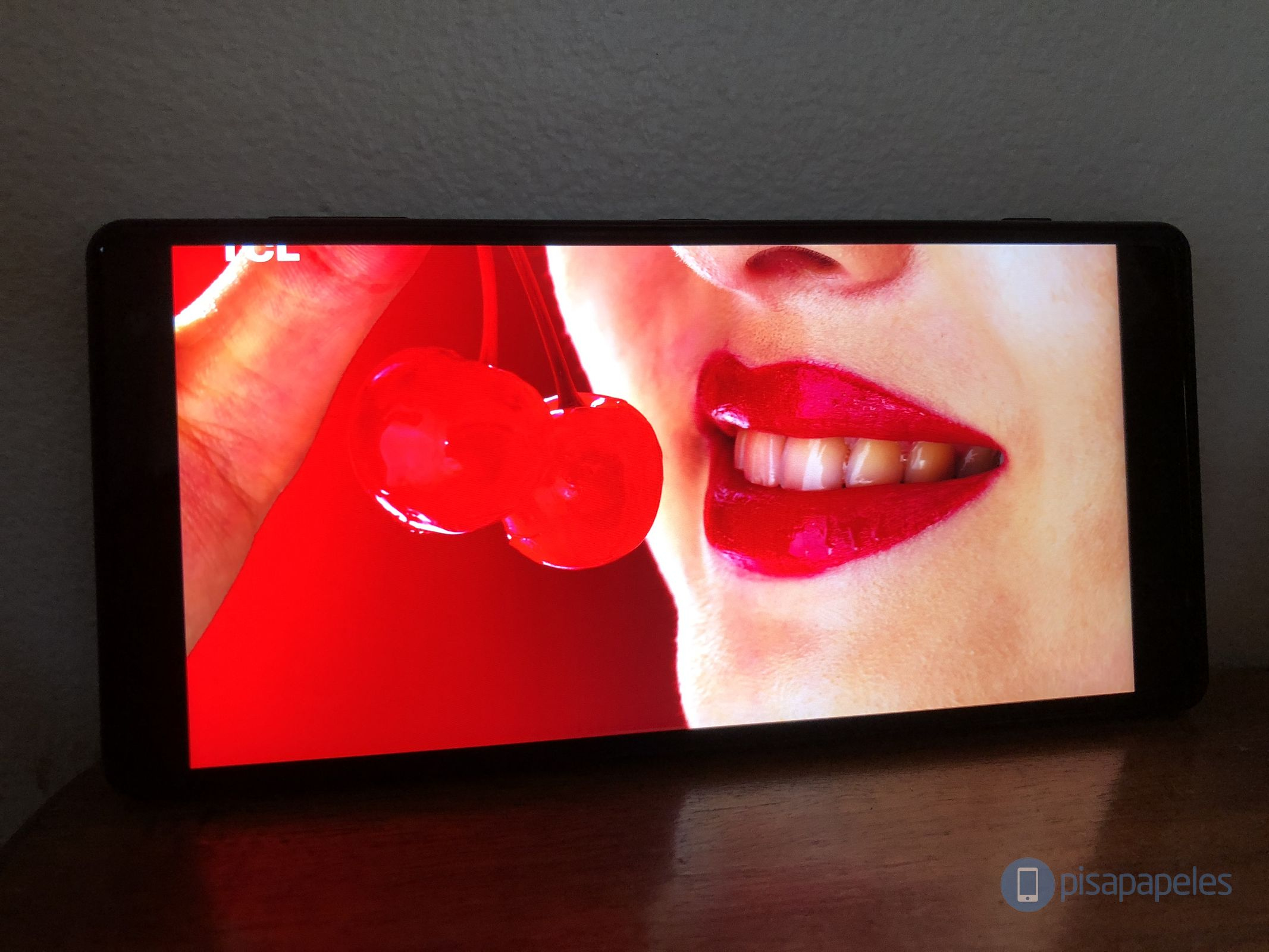 "Revise el Sony Xperia XZ2 4""ancho ="" 2133 ""altura ="" 1600"