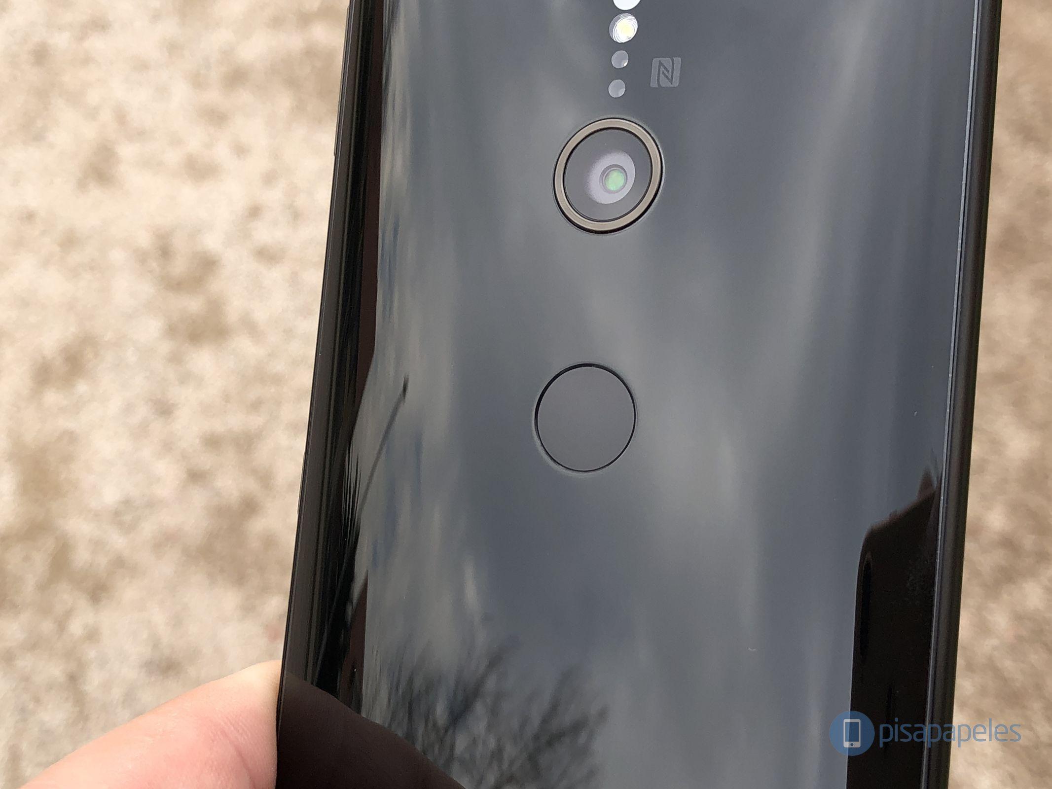 "Revise el Sony Xperia XZ2 13""ancho ="" 2133 ""altura ="" 1600"