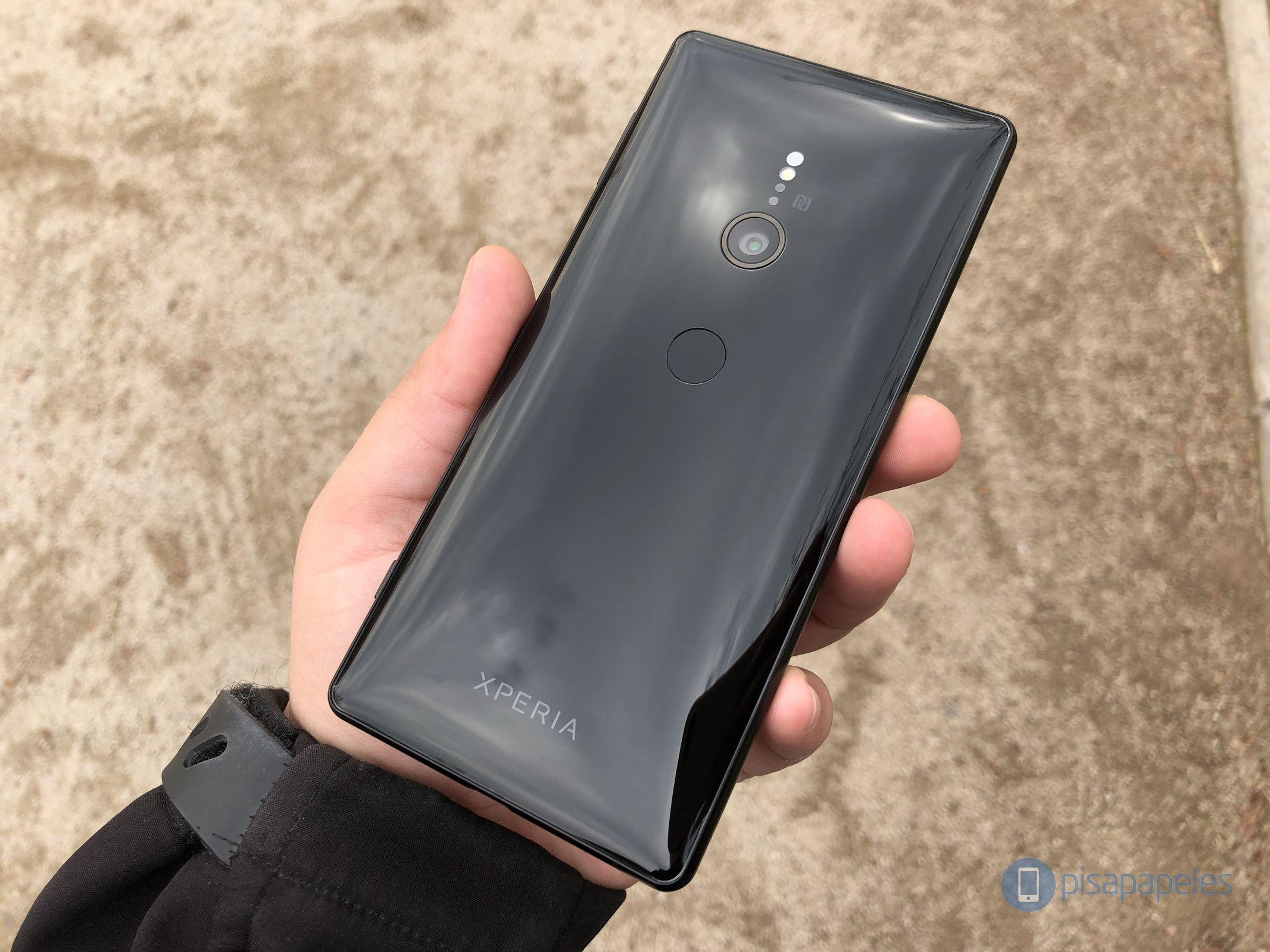 "Revise el Sony Xperia XZ2 17""ancho ="" 2133 ""altura ="" 1600"