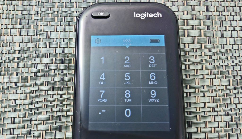 """شاشة Logitech Harmony Elite """"width ="""" 1024 """"height ="""" 590 """"class ="""" aligncenter size-large wp-image-293784"""