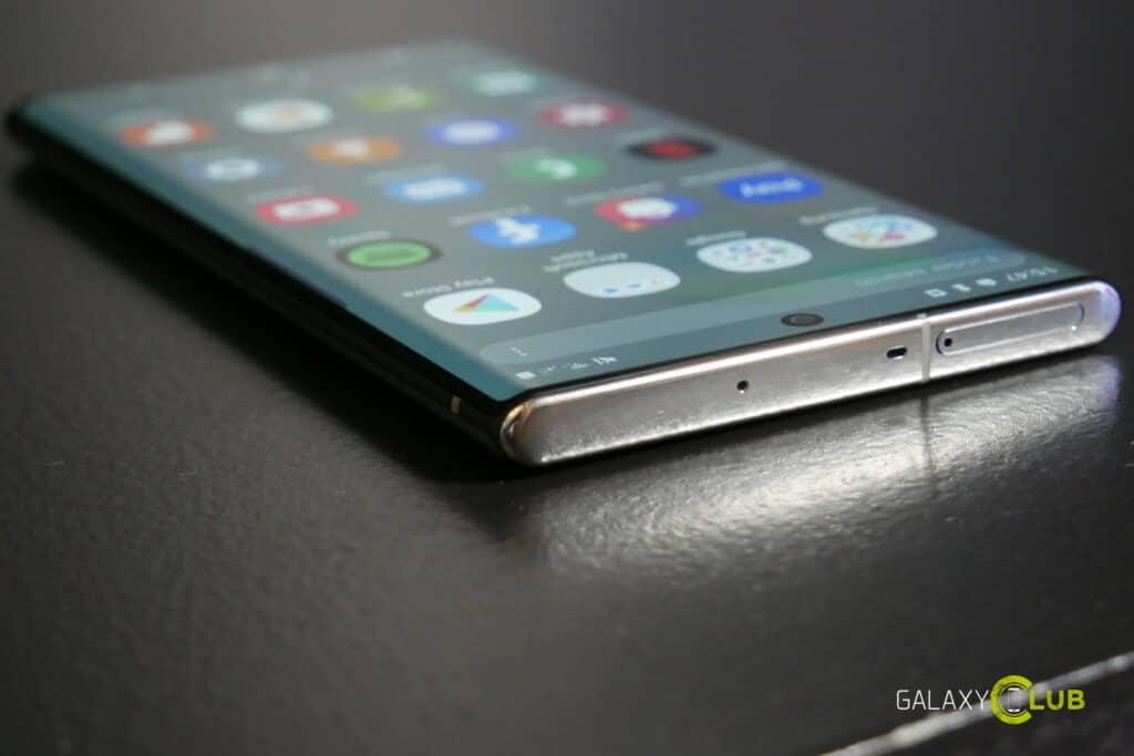 Samsung Galaxy Note 10 manos a la vista previa 1