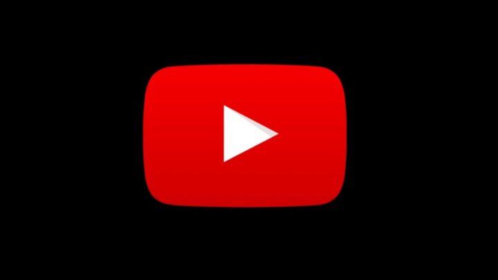 Logo YouTube siyah bir arka plan ile