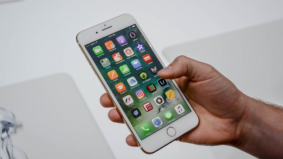 iPhone 7 vs Samsung Galaxy S7: Кој е најдобриот паметен телефон во 2016 година?  3