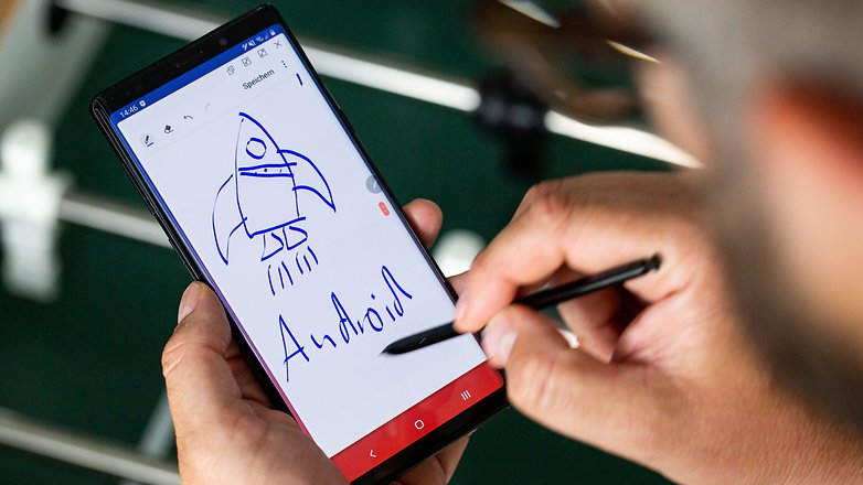 Um ano com a Samsung Galaxy Note  9: conveniente escrever na tela