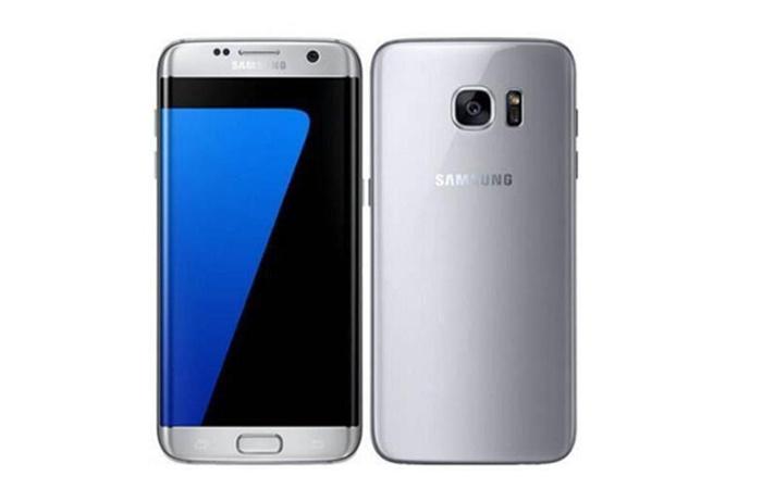 Samsung ön və arxa Galaxy S7 gümüş rəngdədir