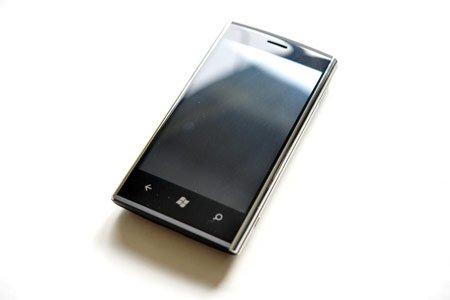 Dell Venue Pro Windows Review Mobile 7 Smartphone 2