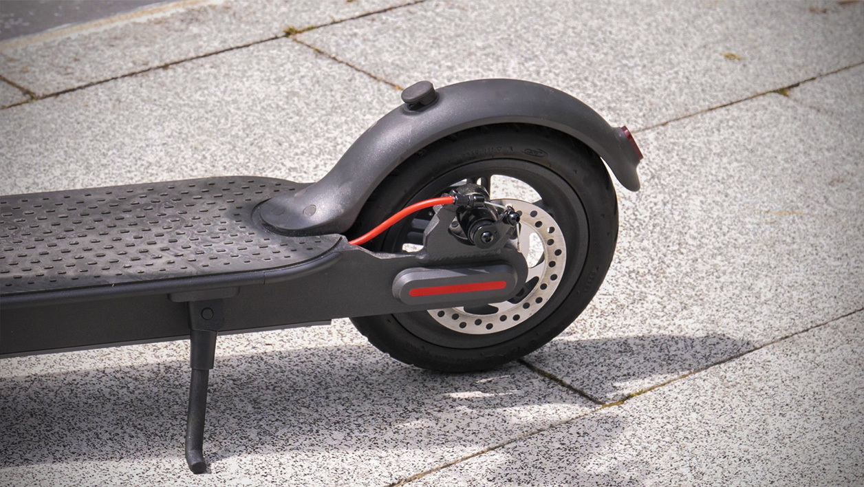 2019 Xiaomi Mijia Pro electric scooter review: long distance 18.6 Miles, easy Fold-n-Carry 6