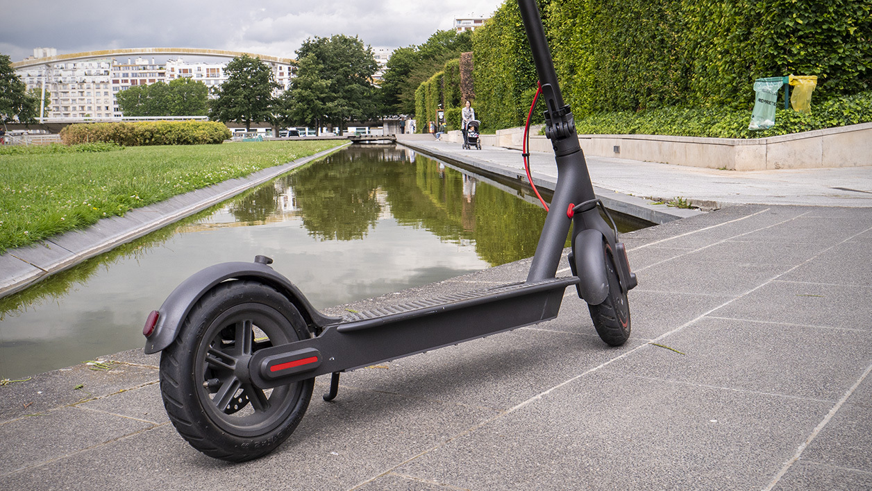 2019 Xiaomi Mijia Pro electric scooter review: long distance 18.6 Miles, easy Fold-n-Carry 11