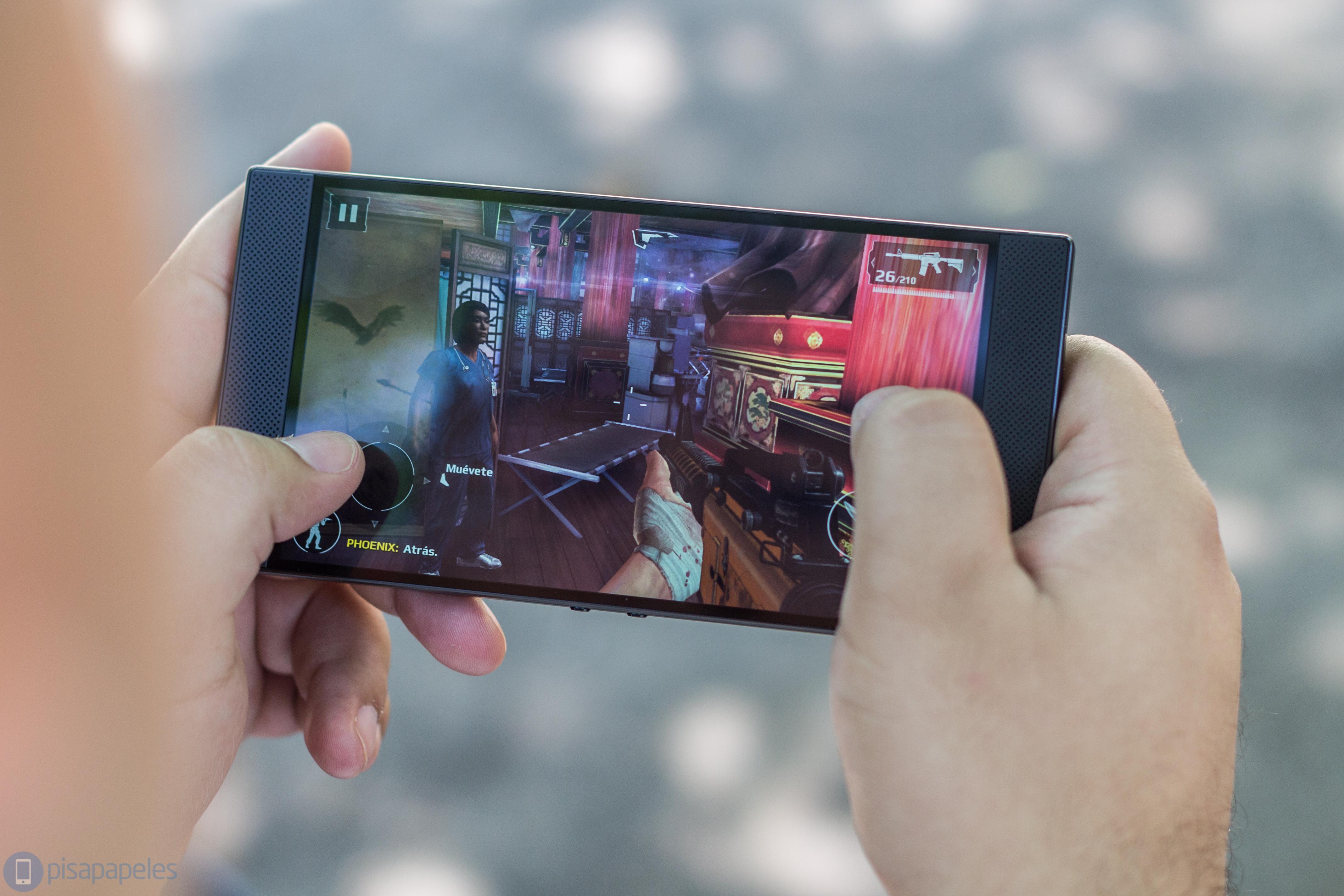"""Review Razer Phones 8 """"width ="""" 4272 """"height ="""" 2848"""