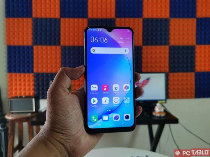 Vivo Review Y17 - достапен паметен телефон кој е добро изграден 2