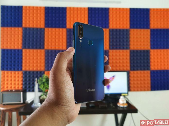 Vivo Осврти Y17 - достапен паметен телефон кој е добро изграден 4