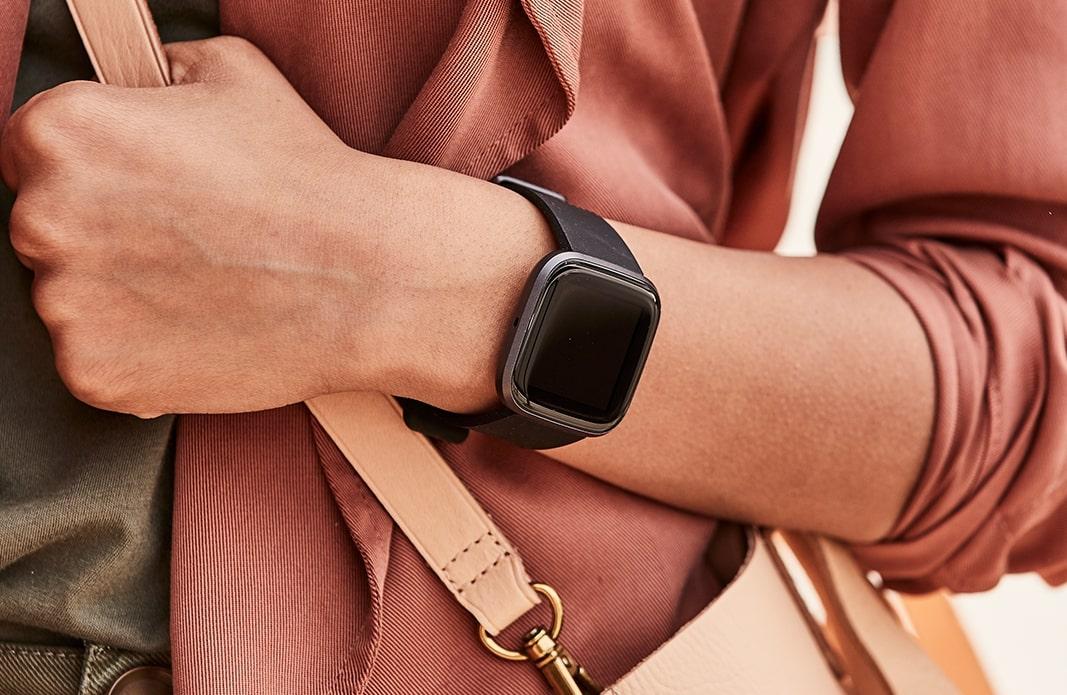 Официјален Fitbit Versa 2: OLED екран, поддршка за Spotify и добра цена 2