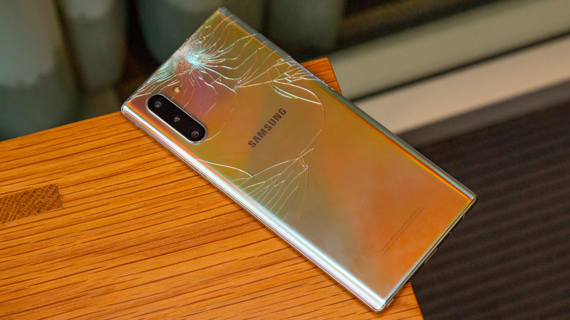 Samsung Galaxy Note        10 sınmış şüşə sındı