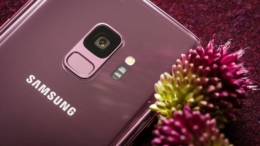 Foto baru dari Galaxy S10 menguatkan bahwa pembaca sidik jari terletak di bawah layar 1