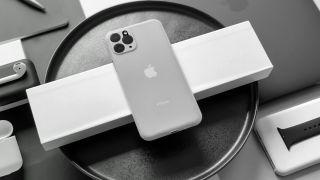 Bu məhsul xəttinin parlaq yeni dizaynını göstərən kassa istehsalçılarından sızan bir iPhone 11 görüntüsü 1