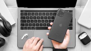 Bu məhsul xəttinin parlaq yeni dizaynını göstərən kassa istehsalçılarından sızan bir iPhone 11 görüntüsü 3