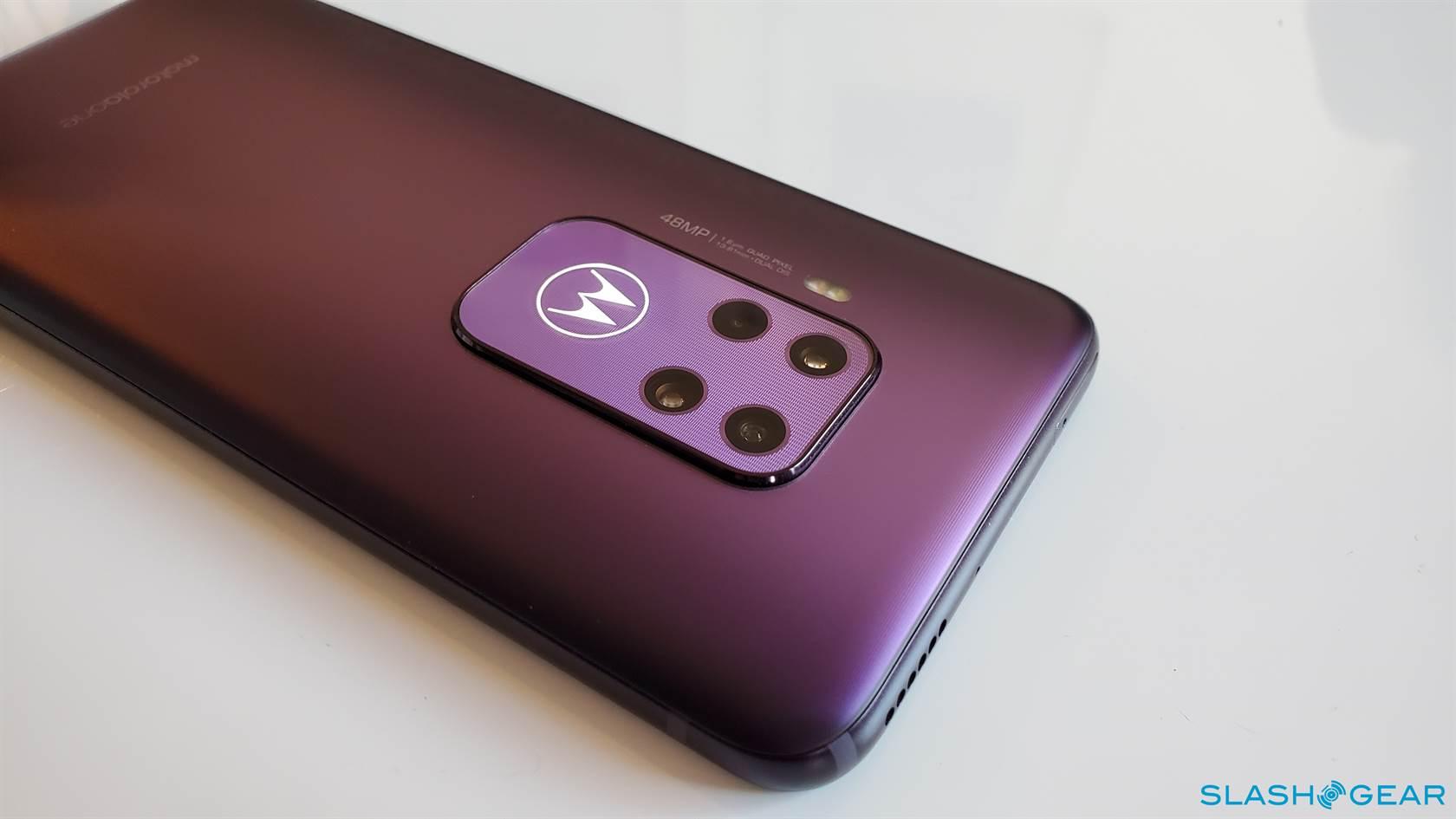 Prvá obrazovka spoločnosti Motorola One Zoom: 48-megapixlový Android s rozpočtom 2