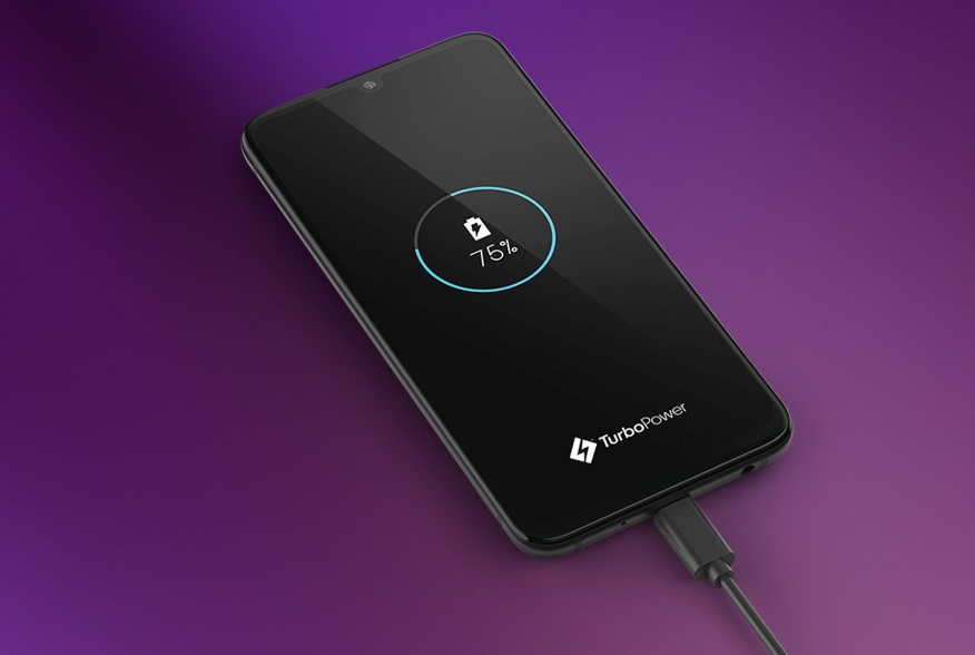 Полнење на Motorola еден зум