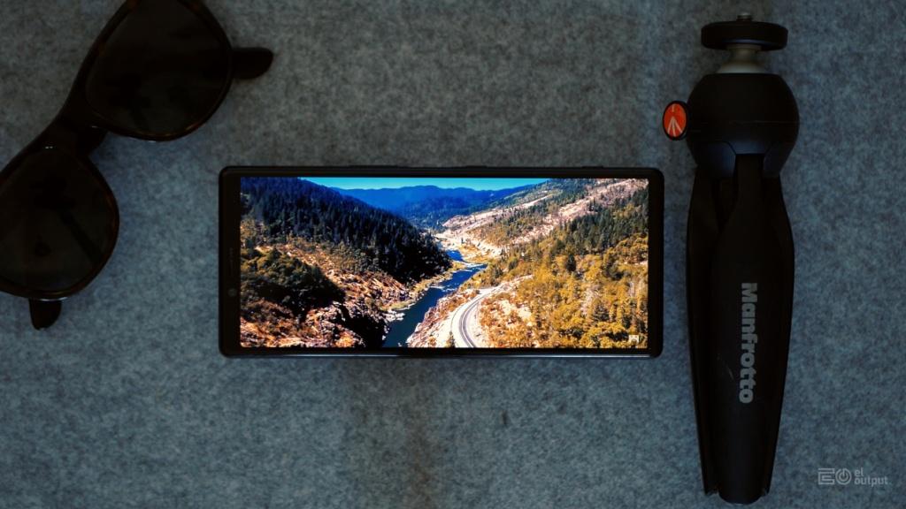 OLED Xperia X1 ekrani