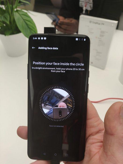 OnePlus 7 Pro. Tómese uno de estos. 11
