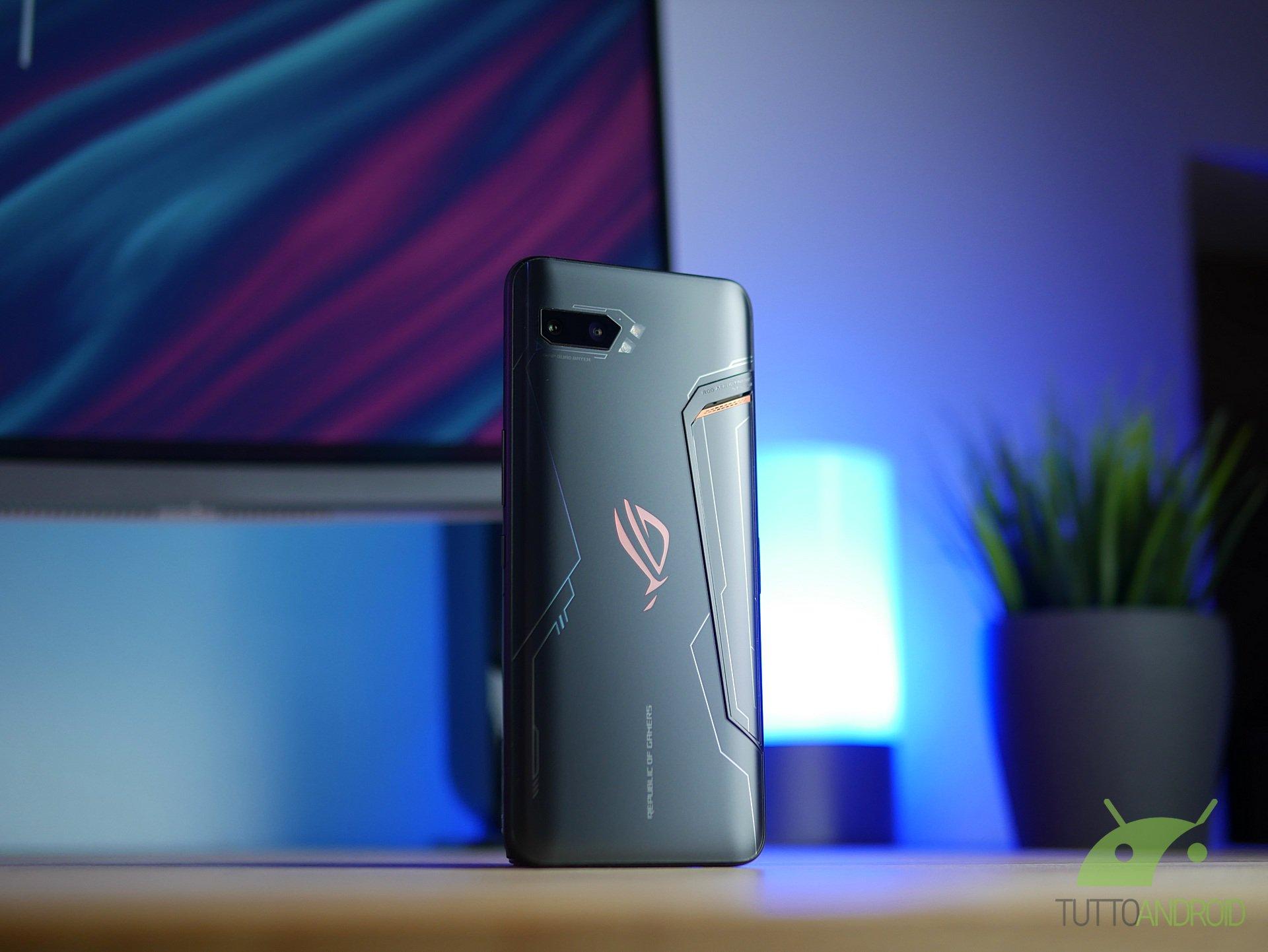 Tinjau ASUS ROG Phone 2: teknik dan substansi membuatnya mendominasi 4