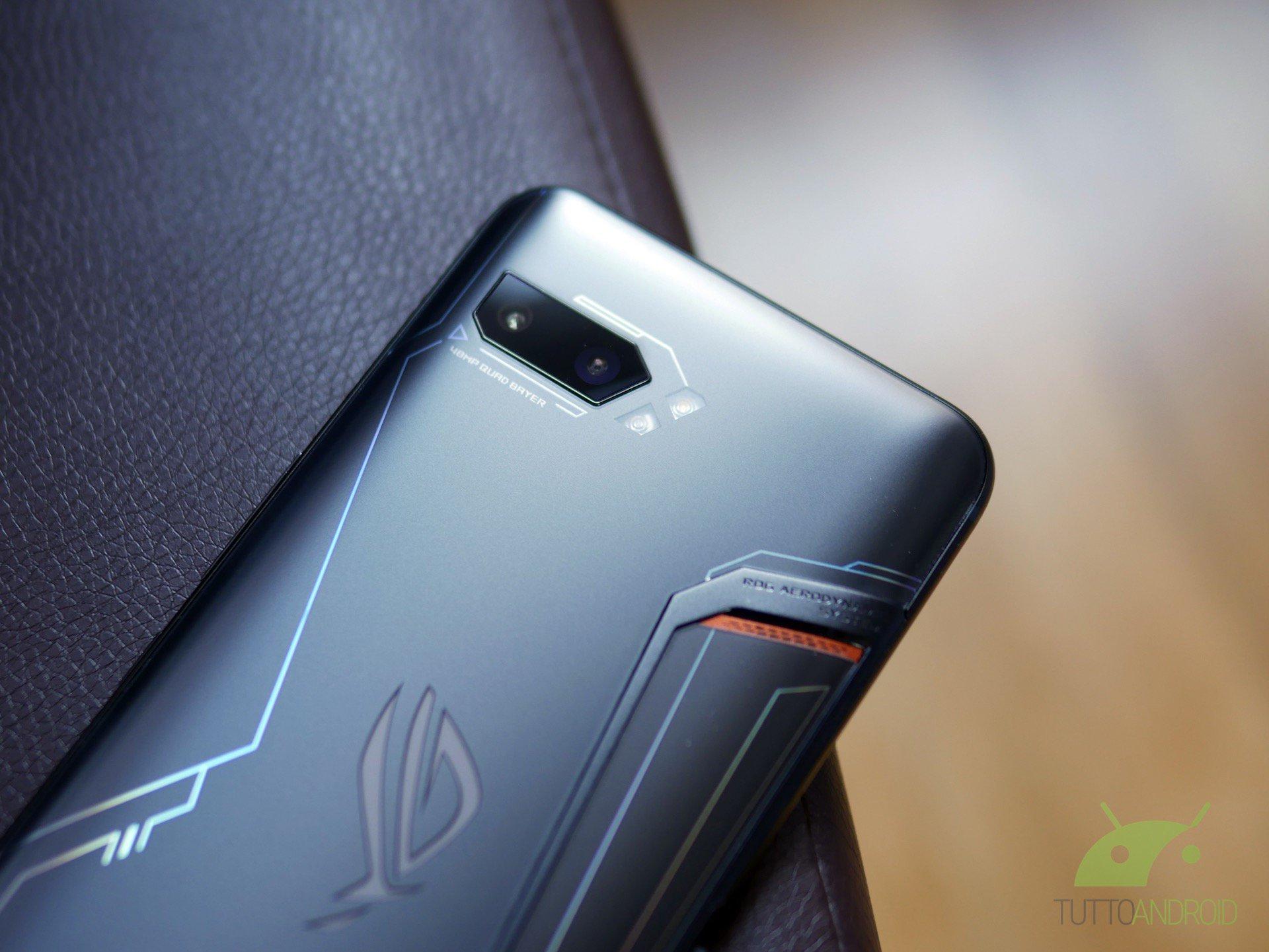 Tinjau ASUS ROG Phone 2: teknik dan substansi membuatnya mendominasi 6