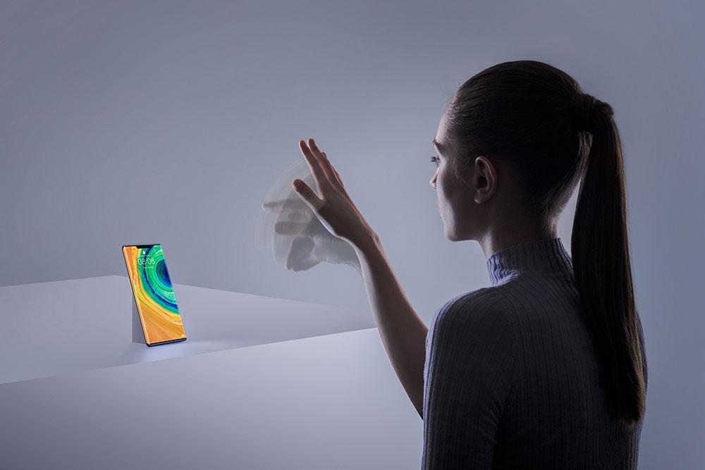 Huawei ја лансира серијата на паметни телефони 30 Mate 4