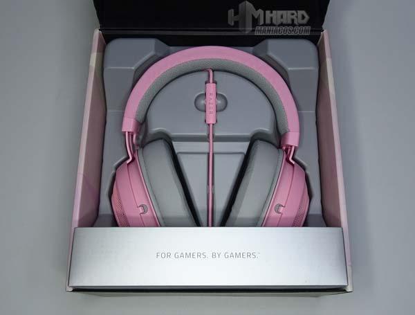 avaa laatikko avaa Razer Quartz Pink -kuulokkeet
