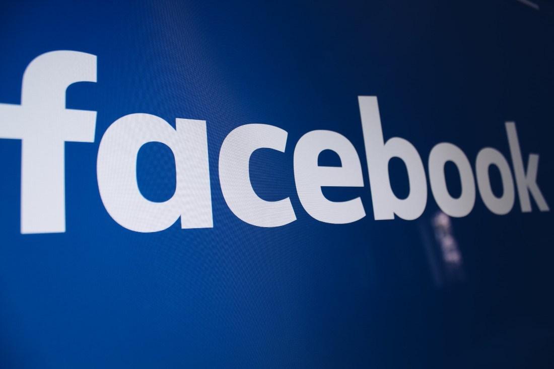 Facebook    Ray-Ban ilə AR ağıllı eynəklərini inkişaf etdirmək 1