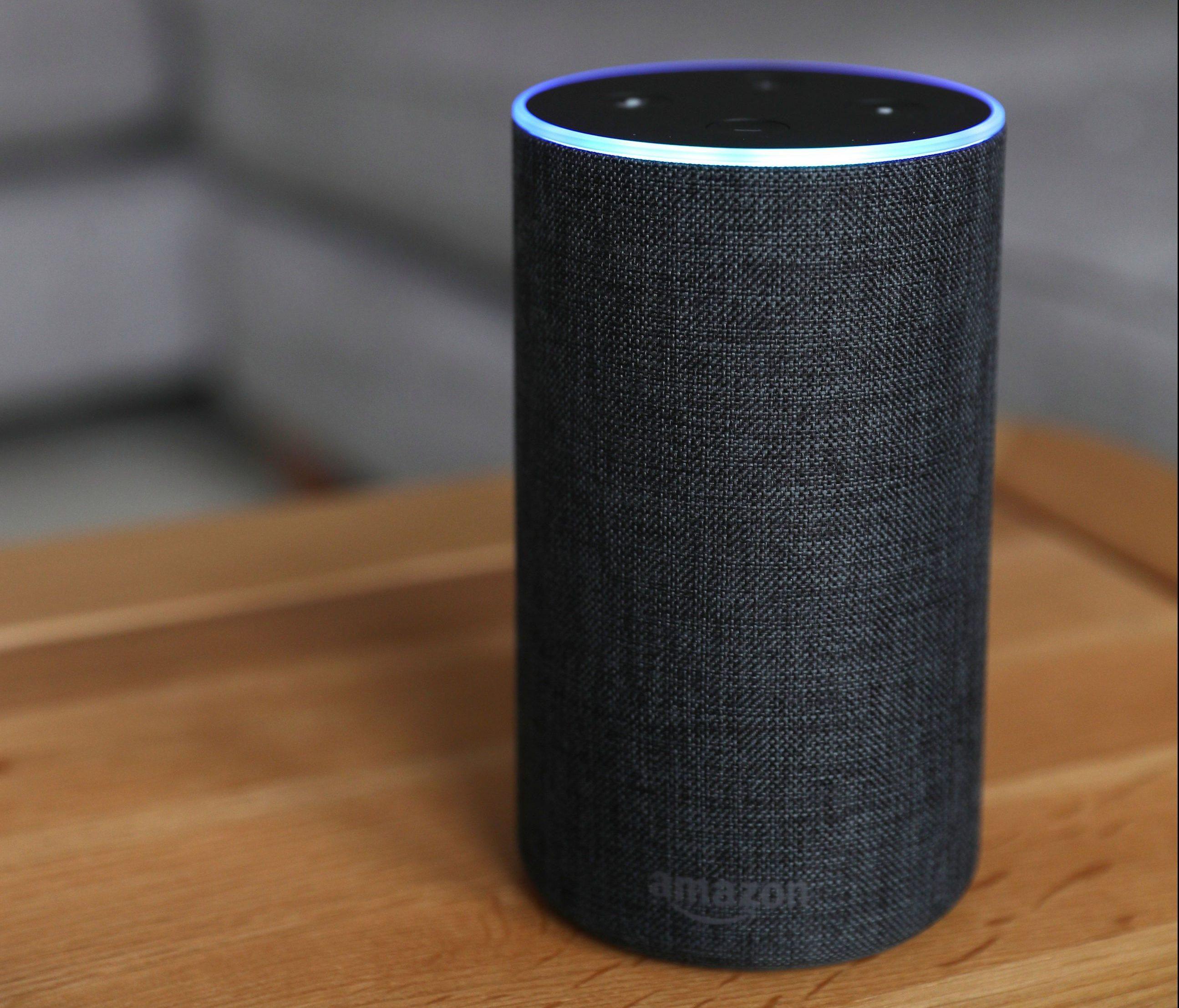 Səslə işləyən virtual köməkçi Amazon cavab 'Alexa'