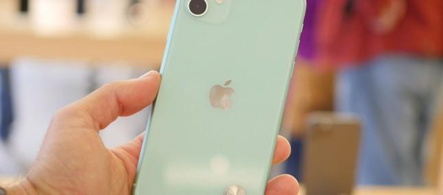 Apple    sẽ đuổi theo bạn bằng một thông báo nếu màn hình đặt lại iPhone 11 không có genuna 2