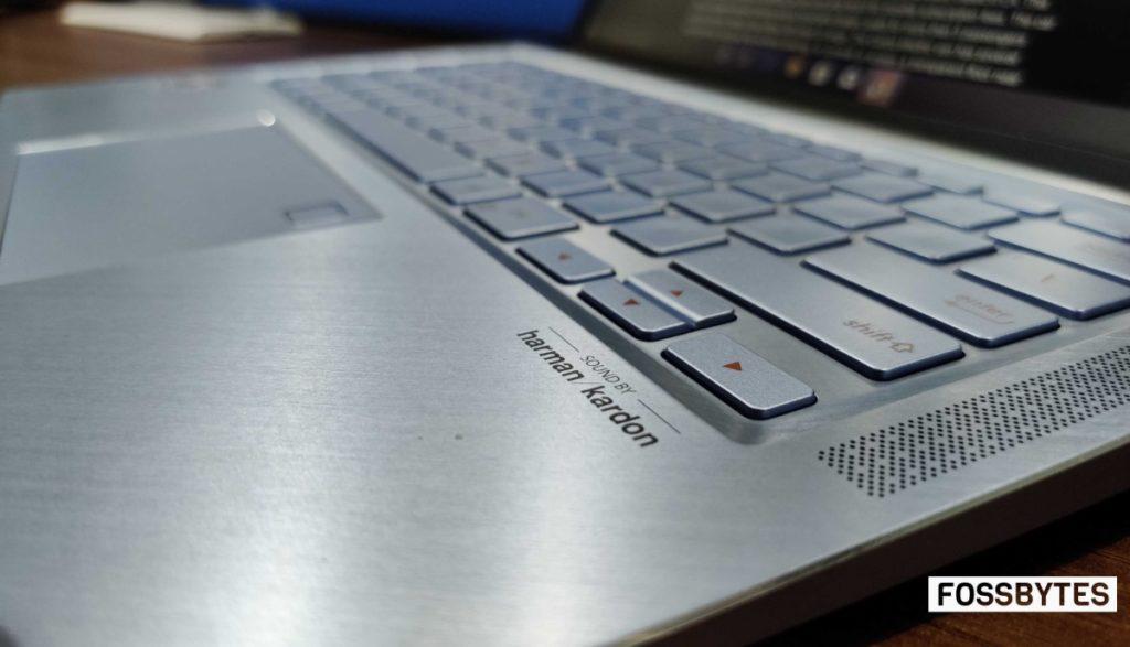 AMD Ryzen 14 texnologiyası ilə Asus Zenbook noutbuk