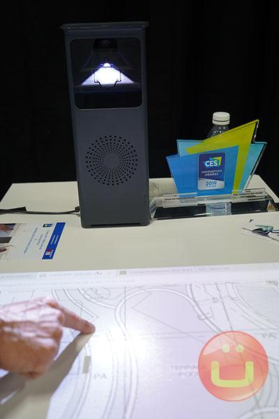 جهاز عرض Adok Aura بشاشة تعمل باللمس للعمل التعاوني 3