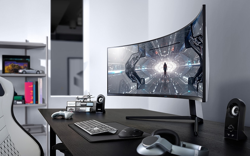 The curved screen of the Samsung Odyssey G9