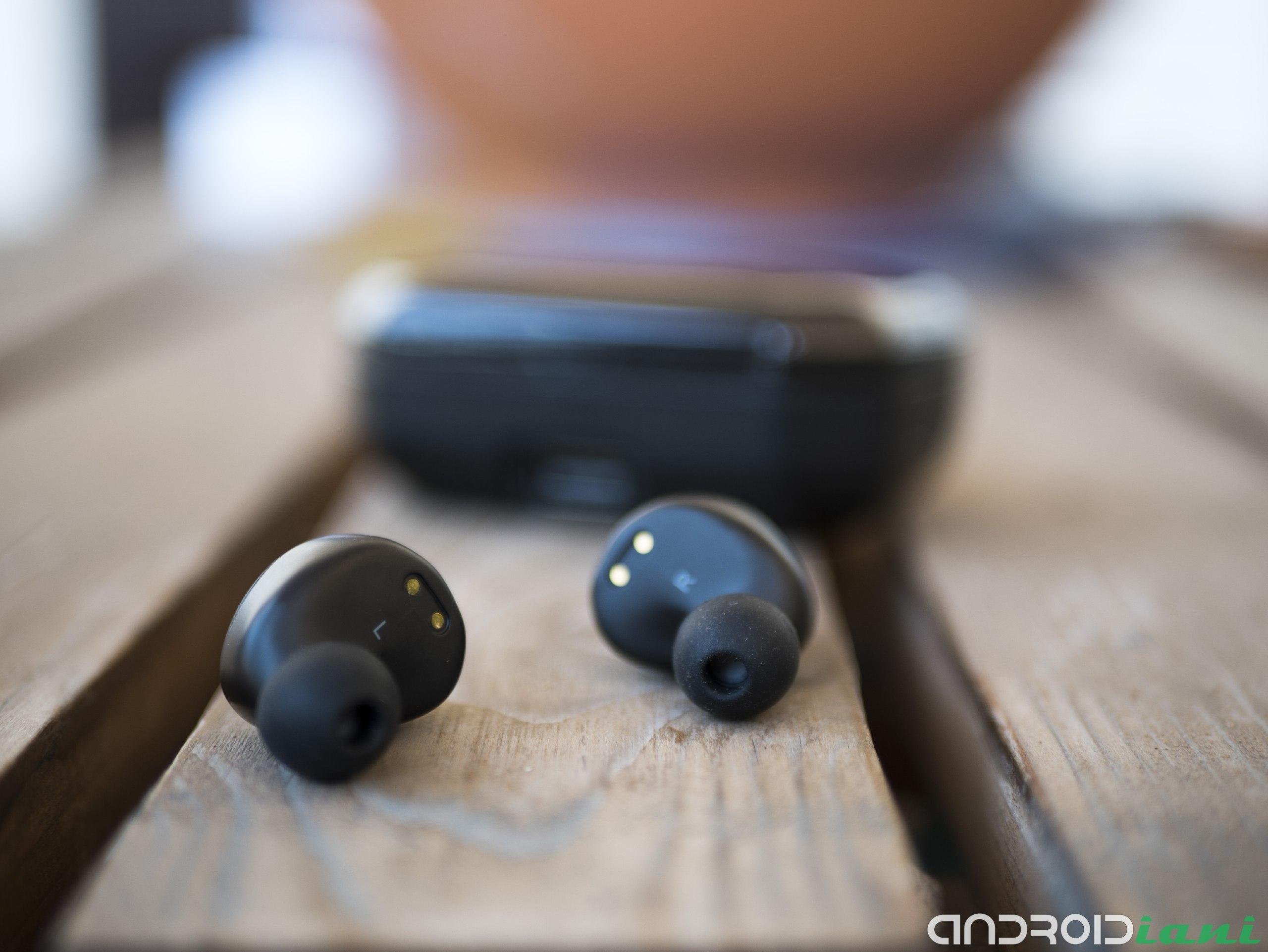 "Axloie Attitude: TWS 6 ""width ="" 2560 ""height ="" 1922 headphone reviews"