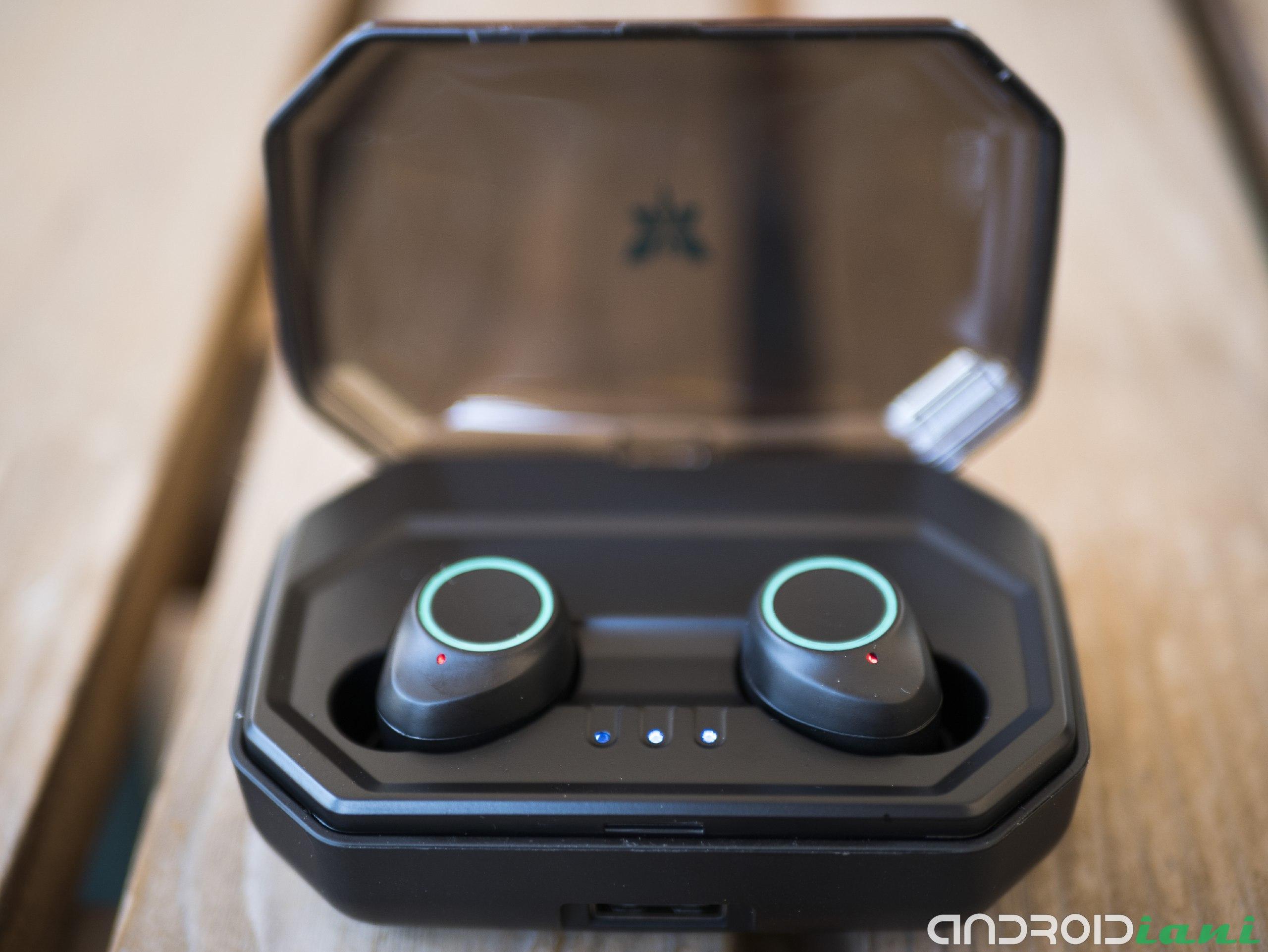"Axloie Attitude: TWS Headphone Reviews 13 ""width ="" 2560 ""height ="" 1922"