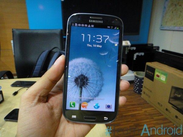 Samsung Galaxy S III - Çınqıl Mavi