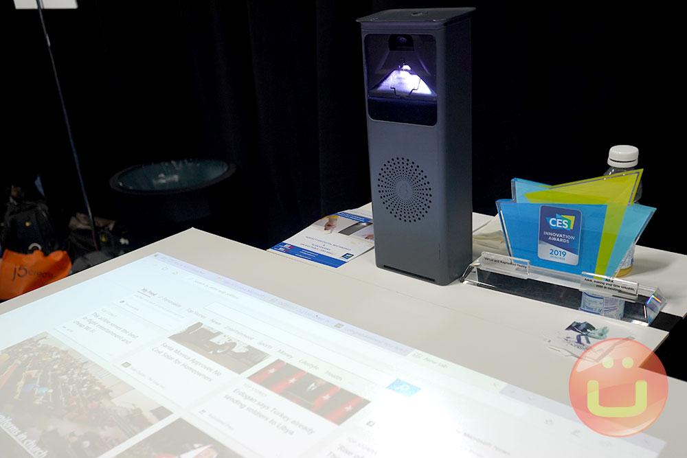 جهاز عرض Adok Aura بشاشة تعمل باللمس للعمل التعاوني 1