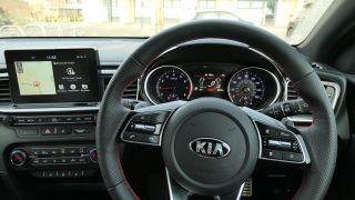 Kia ProCeed GT: تنفجر بما يكفي لجعل أموالك في الاعتبار الجاد 9