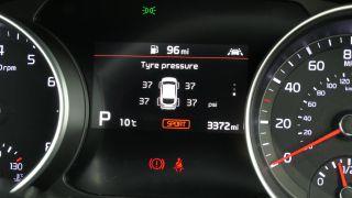 Kia ProCeed GT: تنفجر بما يكفي لتجعل أموالك جدية 16