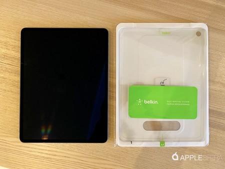 Penempatan iPad Pro kaca tempered